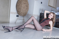 BEAUTYLEG 1604 Queenie